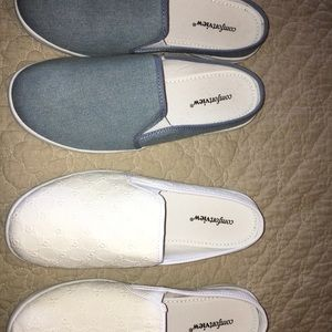 Comfortview canvas slides. Size 9. 2 pairs.